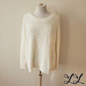 Jack BB Dakota Sweater Off White Suzanne Fuzzy